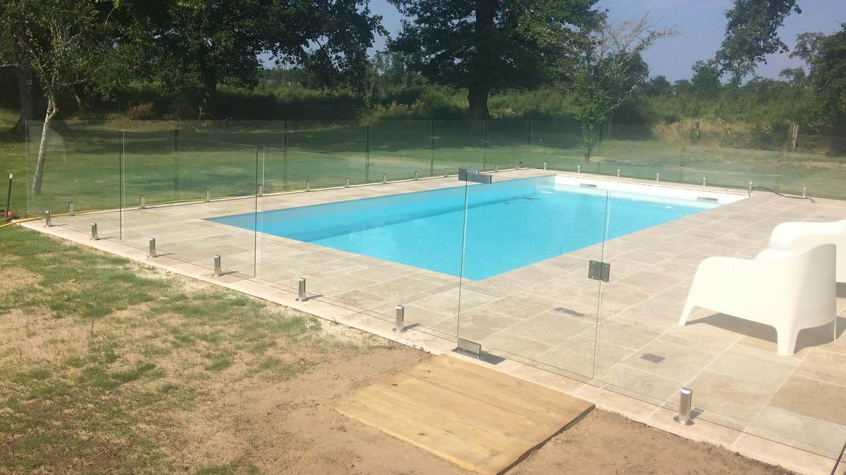 barriere piscine verre sans poteau mont de marsan