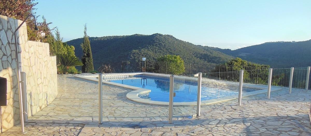 barriere piscine transparente verre espagne bandeau